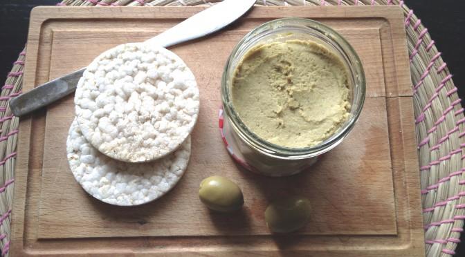 Pasta z grochu polnego i oliwek